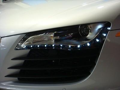 Светодиодни ленти за автомобила ви