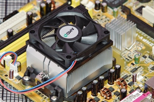 Принцип на работа при вентилаторите в компютър