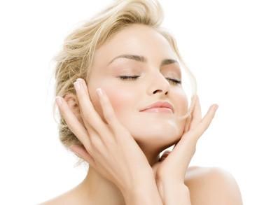 Как да се грижим за лицето си с натурални продукти